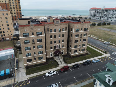 Asbury Park Condo/Townhouse For Sale: 1700 Webb Street #4H