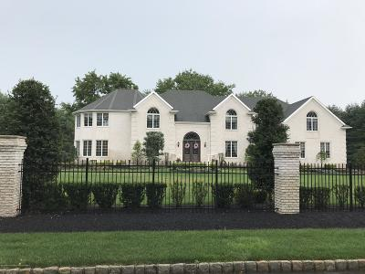 Colts Neck Single Family Home For Sale: 4 Edgewood Court