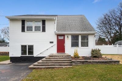Hamilton Single Family Home For Sale: 16 Magnolia Lane