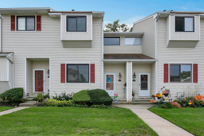 Middletown Condo/Townhouse Under Contract: 343 Middlewood Road
