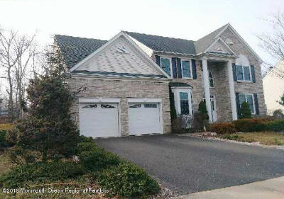 Howell Single Family Home For Sale: 12 Freedom Court