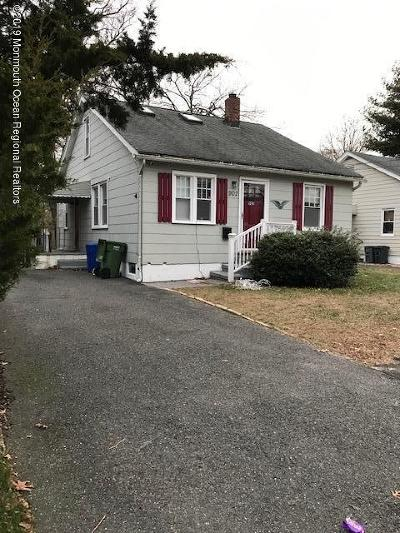 Point Pleasant Single Family Home For Sale: 902 Burnt Tavern Road