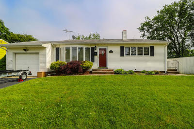 Hazlet Single Family Home For Sale: 14 Garden Terrace