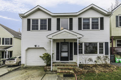 Aberdeen, Matawan Single Family Home For Sale: 58 Oak Knoll Drive