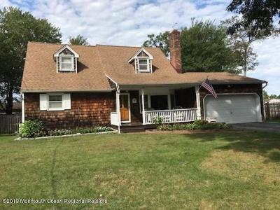 Toms River Single Family Home For Sale: 12 Musket Place