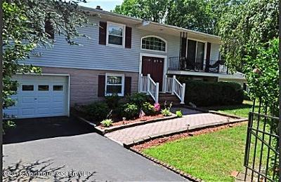 Howell Single Family Home For Sale: 6 Laurel Court