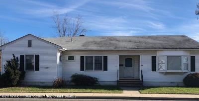 Middletown Single Family Home For Sale: 733 Main Street