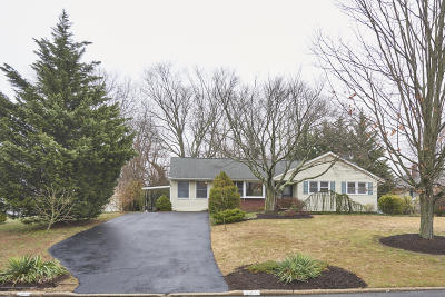 Middletown Single Family Home For Sale: 7 Lone Oak Road
