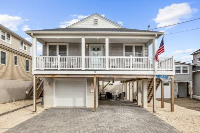 Long Beach Twp Single Family Home For Sale: 5 E Delaware Avenue