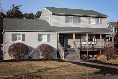 Toms River Single Family Home For Sale: 280 Silver Bay Road