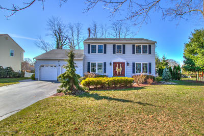 Holmdel Single Family Home For Sale: 11 Patterson Court