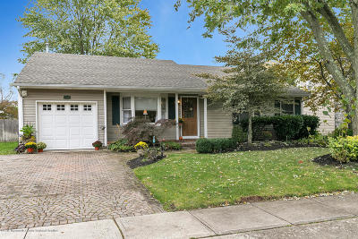 Toms River Single Family Home For Sale: 126 Riparian Way