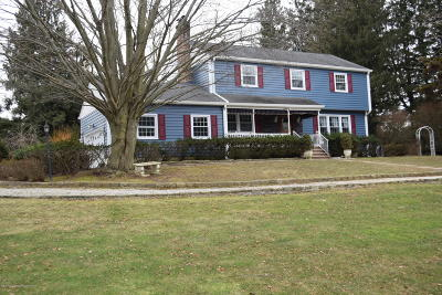 Holmdel Single Family Home For Sale: 13 Winding Brook Way