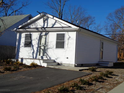 Toms River Single Family Home For Sale: 2108 Wainwright Road