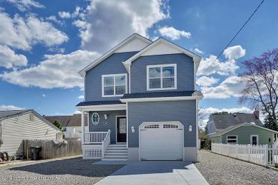 Toms River Single Family Home For Sale: 185 Walnut Creek Lane
