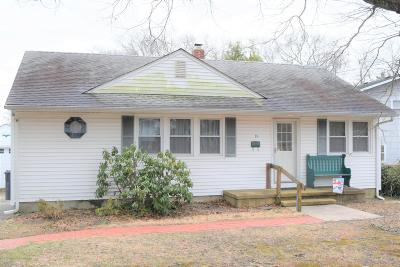Toms River Single Family Home For Sale: 15 Fairway Drive