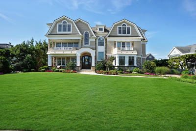 Sea Girt Single Family Home For Sale: 2 Neptune Place