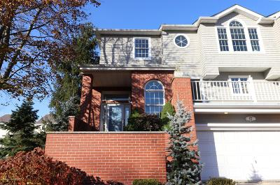 Monmouth County Condo/Townhouse For Sale: 67 Rivergate Way