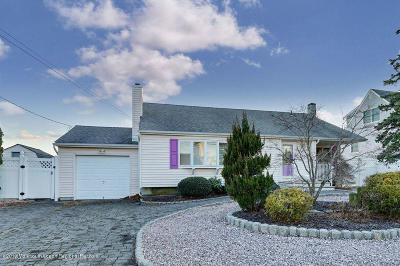 Toms River Single Family Home For Sale: 1813 Grantwood Drive