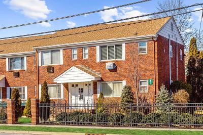 Eatontown Condo/Townhouse For Sale: 151 Wyckoff Road
