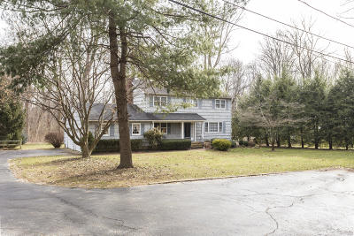 Middletown Single Family Home For Sale: 16 Spruce Drive
