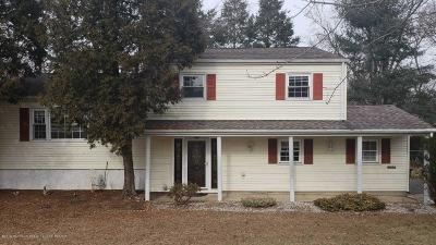 Middletown Single Family Home For Sale: 43 Cherry Tree Farm Road