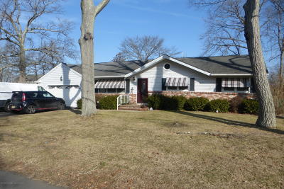 Brick Single Family Home Under Contract: 540 Robinhood Road