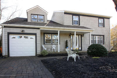 Lakewood Single Family Home Under Contract: 1474 Cedarwood Drive