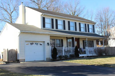 Monroe Single Family Home For Sale: 37 Cherry Blossom Drive