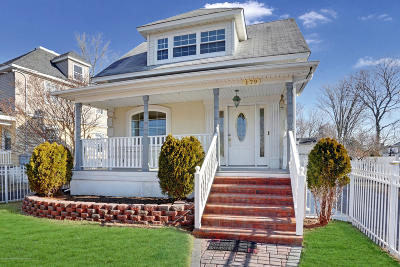 Long Branch Single Family Home For Sale: 179 Edwards Avenue