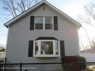 Middletown Single Family Home For Sale: 124 Ocean Avenue