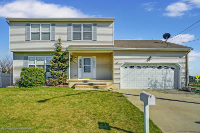 Beachwood Single Family Home For Sale: 1553 Longboat Avenue
