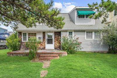 Beach Haven Single Family Home For Sale: 417 Coral Street