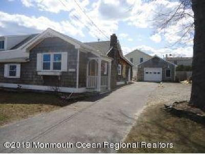 Point Pleasant Single Family Home For Sale: 1838 Shore Boulevard