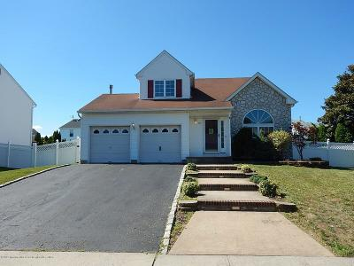 Howell Single Family Home For Sale: 66 W Shenendoah Road