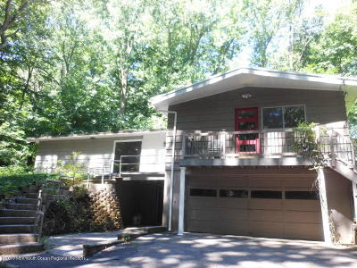 Holmdel Single Family Home For Sale: 7 Stilwell Drive