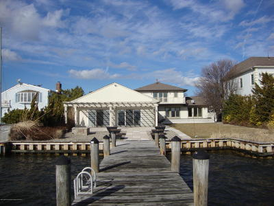 Point Pleasant Single Family Home For Sale: 1718 Bay Isle Drive
