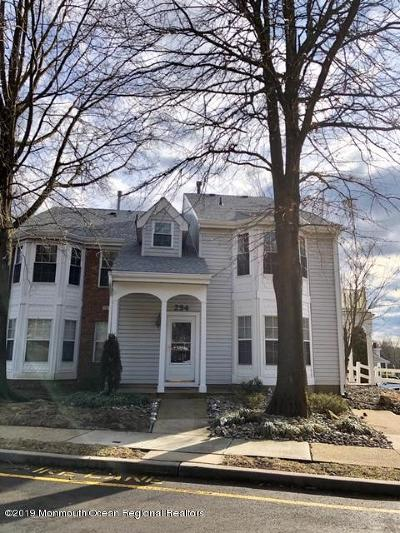 Freehold NJ Condo/Townhouse For Sale: $245,000