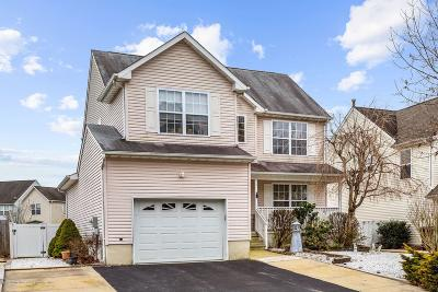 Ocean County Single Family Home For Sale: 18 Lena Court