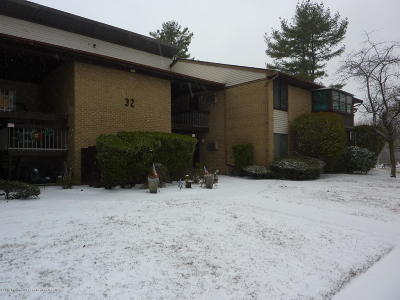 Manalapan Adult Community Under Contract: 32 Meadow Green Circle #J