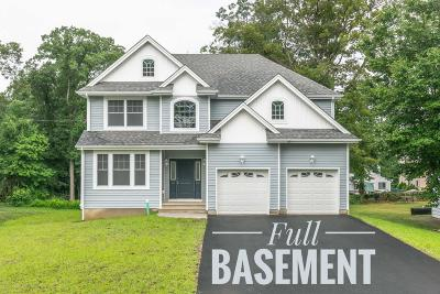 Toms River Single Family Home For Sale: 518 Parkwood Avenue
