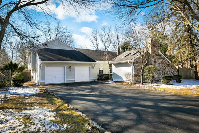 Middletown Single Family Home Under Contract: 84 Cherry Tree Farm Road