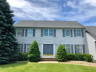 Monmouth County Single Family Home For Sale: 21 Yellow Brook Road