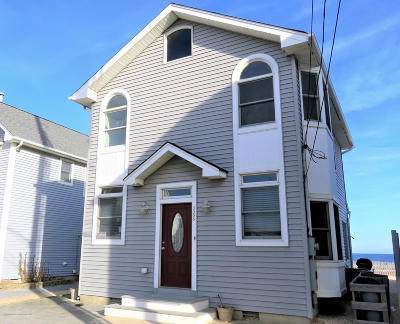 Ocean County Single Family Home For Sale: 3056 Ocean Road