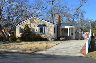Point Pleasant Single Family Home Under Contract: 233 Jaehnel Parkway