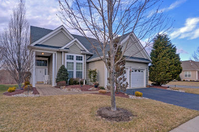 Manalapan Adult Community For Sale: 144 Wintergreen Drive