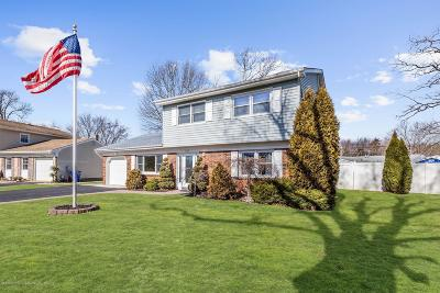 Toms River Single Family Home For Sale: 595 Senaroth Court