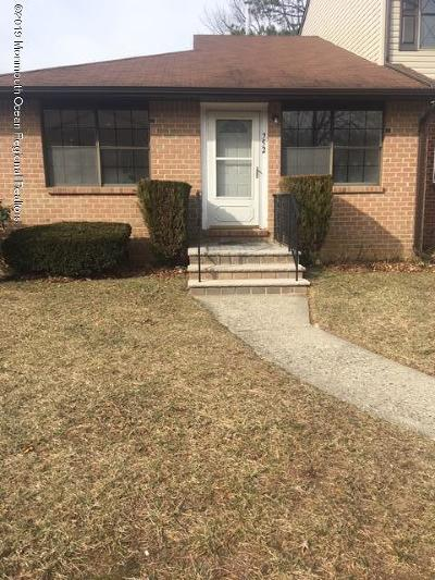 Brick Condo/Townhouse Under Contract: 752 Kevin Court