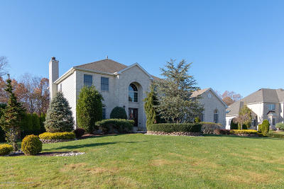 Freehold Single Family Home For Sale: 314 Valley View Circle