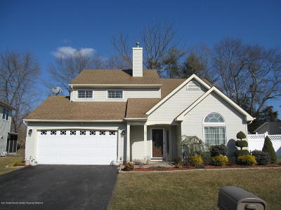 Freehold Single Family Home Under Contract: 10 Fieldcrest Way